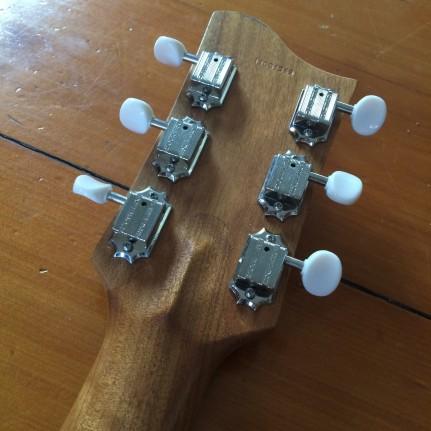 maton-guitarnyrd_22246227992_o